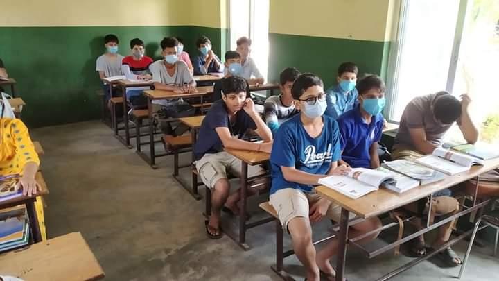 काेहलपुरमा विद्यार्थीहरुको स्वास्थ्य सुरक्षाकाे ख्याल नगरी  विद्यालयहरुमा कक्षा संचालन भएकाे पाइयाे- शिक्षा शाखा